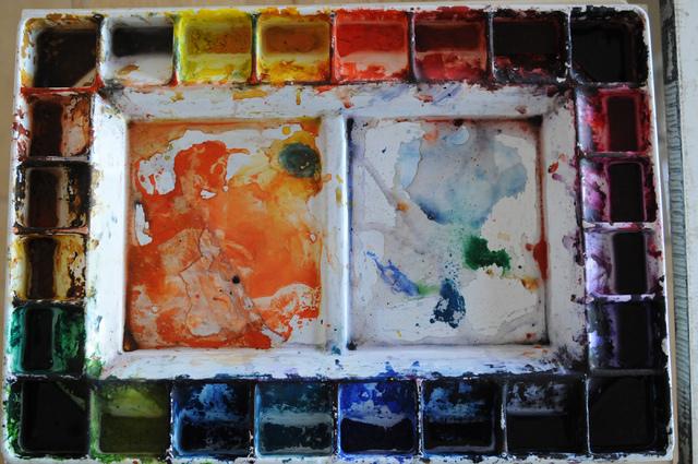 A color palette belonging to artist Eileen Raucher-Sutton is seen during a tour at her home studio in Henderson, June 25. (Erik Verduzco/View)