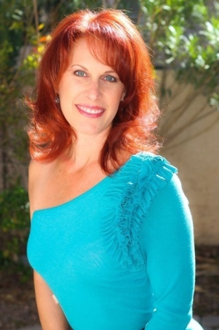 """Singer Laurie Caceres joins the fun when the Performing Arts Society of Nevada presents """"It's Swing!"""" Sunday at the Winchester Cultural Center. (Courtesy)"""