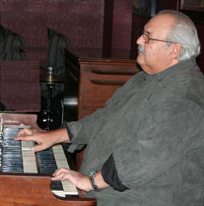 Papa John DeFrancesco joins other organists at the Hammond B-3 Summit Sunday at The Smith Center's Cabaret Jazz. (Courtesy)