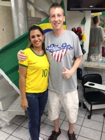 The haircut experience at a shopping mall in Recife was a little different, and naturally, the staff wore home team colors.