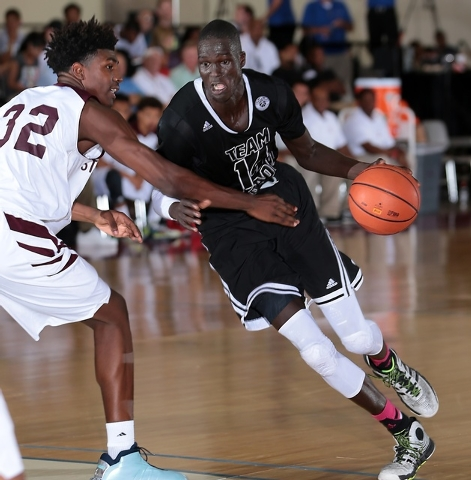 Sudanese basketball player Thon Maker prepares to drive the lane on Day 1 of adidas' Super 64 event, against Stackhouse Elite. (Courtesy, Kelly Kline/adidas)