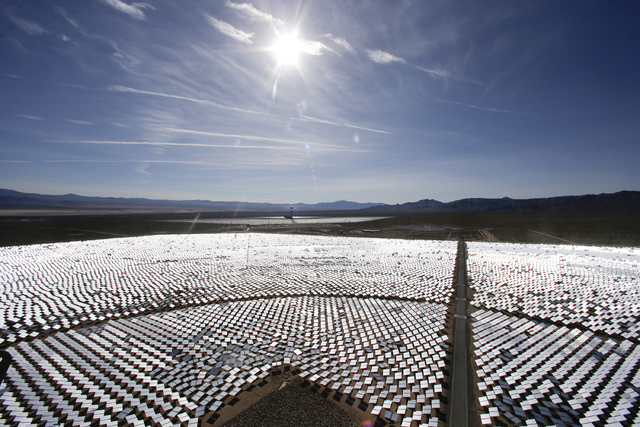 The Ivanpah Solar ElectirIc Generating System in Primm has 300,000 computer-controlled mirrors. New estimates for the Ivanpah solar plant, an innovative year-old $2.2 billion solar projec, say tho ...