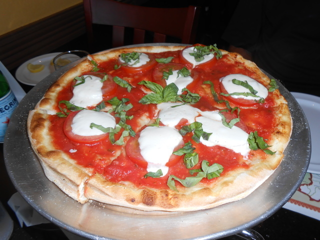 Margherita pizza is shown at Maru's Pizza & Italian Bistro, 8125 W. Sahara Ave. (Jan Hogan/View)