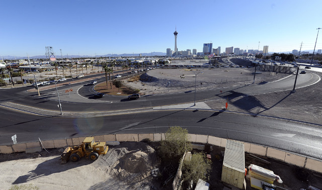 The northbound onramp to I-15 from Charleston Boulevard in Las Vegas is seen Monday, Dec. 9, 2013. The entire intersection will be scraped by Project Neon and a new intersection on Charleston will ...