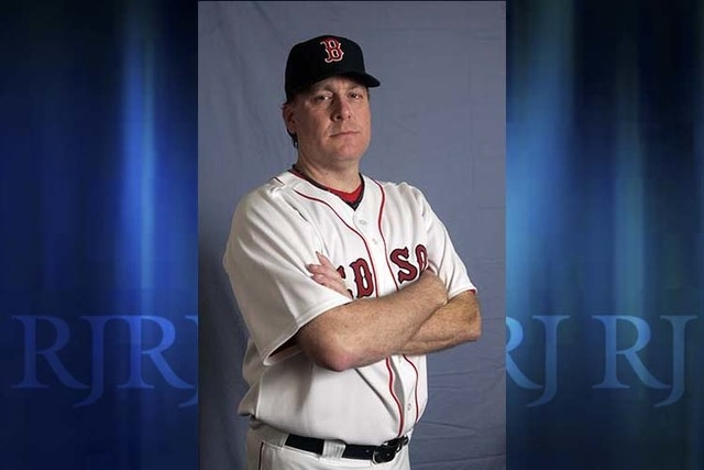 Boston Red baseball player Curt Schiling. Former major league pitcher Curt Schilling says he's battling mouth cancer and blames 30 years of chewing tobacco use. Schilling discussed details of his  ...