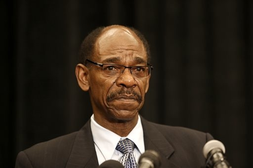 Former Texas Rangers manager Ron Washington makes a statement at a news conference, Thursday, Sept. 18, 2014, in Irving, Texas. (AP Photo/Tony Gutierrez)