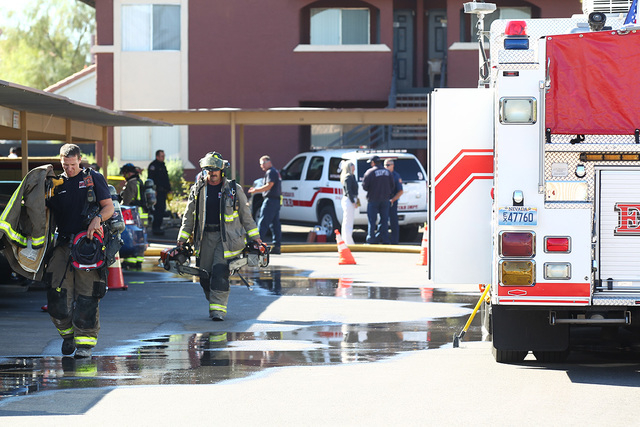 A person is dead after a Tuesday morning apartment fire in Henderson, according to a city spokeswoman. (Chase Stevens/Las Vegas Review-Journal)