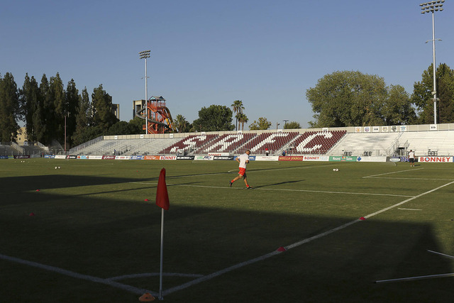 A player runs on Bonney Field, the home of Sacramento Republic FC soccer club, in Sacramento, California August 27, 2014. (REUTERS/Robert Galbraith)