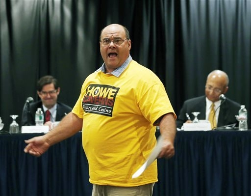 Anthony Van Glad, town supervisor for Gilboa, N.Y., speaks in favor of a casino at Howe Caverns during a public meeting on casinos on Monday, Sept. 22, 2014, in Albany, N.Y. Supporters and critics ...