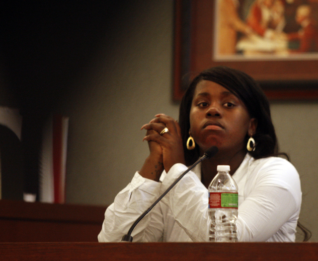 RJ FILE*** JEFF SCHEID/LAS VEGAS REVIEW-JOURNAL Sequioa Pearce testifies during a cornorer's inquest at the Regional Justice Center on Friday, Aug. 20, 2010, in Las Vegas. Her boyfriend Trevon Col ...