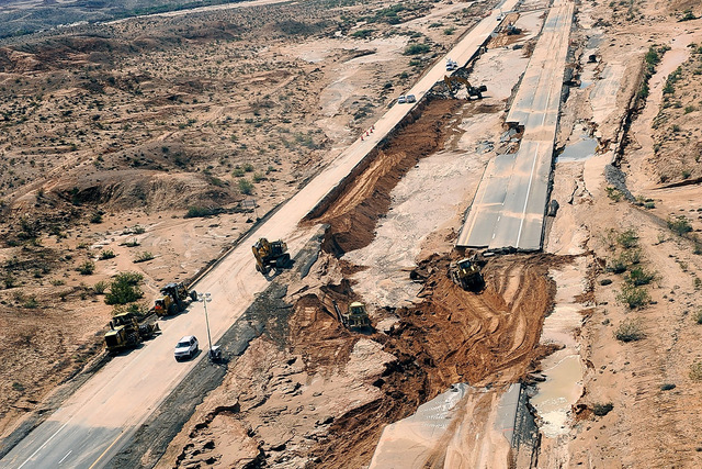 Road crews work to repair Interstate 15 in Moapa on Tuesday, Sept. 9, 2014. (David Becker/Las Vegas Review-Journal)