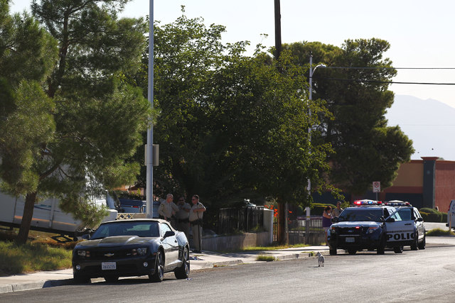 Las Vegas police are investigating a shooting in the 5100 block of Del Rey Avenue Wednesday morning. (Chase Stevens/Las Vegas Review-Journal)