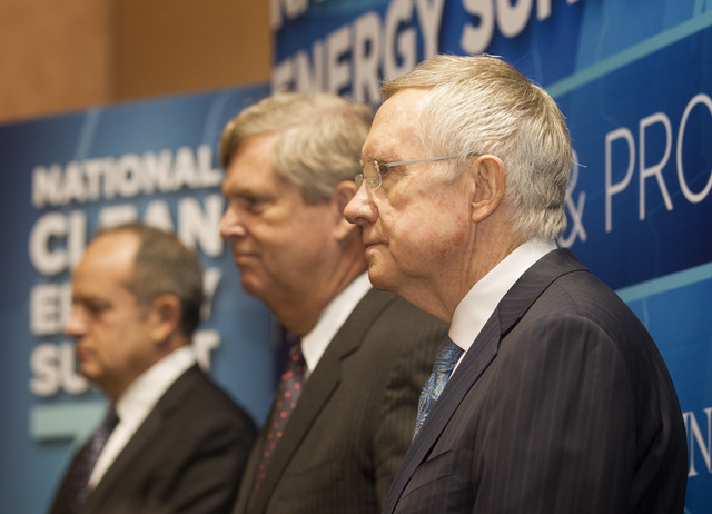 Senate Majority Leader Harry Reid,right, Jim Macias, CEO of Fulcrum BioEnergy Inc.,left,  and Secretary of Agriculture Tom Vilsack during a press conference  announcing  the Fulcrum BioEnergy Inc. ...