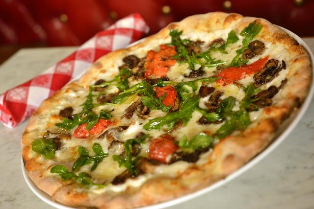 Mushroom pizza, Flour & Barley, The Linq (Courtesy)