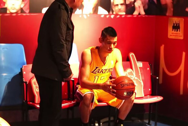 Los Angeles Lakers player Jeremy Lin pulled a few pranks on visitors to Madame Tussaud's museum in San Francisco. (Madame Tussaud's SF/YouTube)