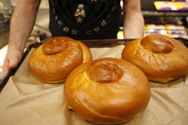 Store director Kevin Hollowinski shows round challah bread made from scratch at Smith's, 2211 N. Rampart Blvd., in Las Vegas Thursday, Sept. 18, 2014. Hollowinski estimates 1,200 round challah bre ...
