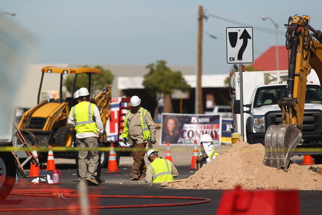 A gas leak has closed the northbound lanes of Las Vegas Boulevard, between Robindale and Warm Springs roads, the Regional Transportation Commission reported just before 10 a.m. (Chase Stevens/Las  ...
