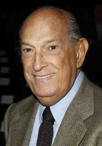 Designer Oscar de la Renta arrives for the Diane von Furstenberg show during the Fall/Winter 2012 collection shows at New York Fashion Week in this February 12, 2012 file photo. Designer Oscar de  ...