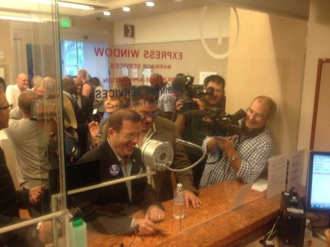 Las Vegas' second same-sex marriage license is issued on Thursday, Oct. 9, 2014. (@ClarkCountyNV/Twitter)