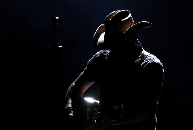 Jason Aldean performs at the Route 91 Harvest country music festival at the MGM Resorts Village in Las Vegas on Sunday, October 5, 2014. (Justin Yurkanin/Las Vegas Review-Journal)