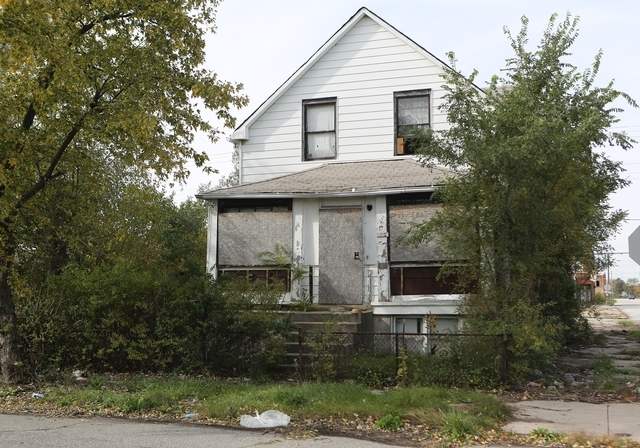 A body was found at a house in Gary, Indiana, on Sunday, Oct. 19, 2014. The bodies of seven women have been found in northwestern Indiana after a man confessed to killing one woman who was found s ...