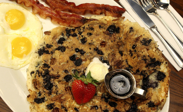 The Tractor Driver Combo entree is shown at the Hash House A Go Go. (John Gurzinski/Las Vegas Review-Journal)
