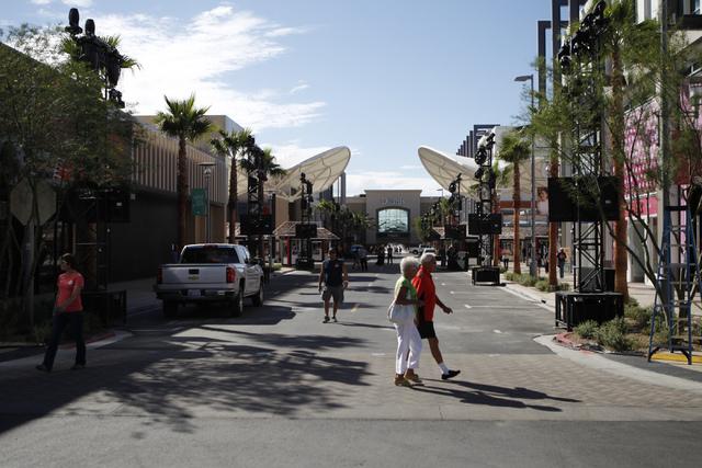 People visit Downtown Summerlin shopping center during their grand opening Thursday, Oct. 9, 2014. (Erik Verduzco/Las Vegas Review-Journal)