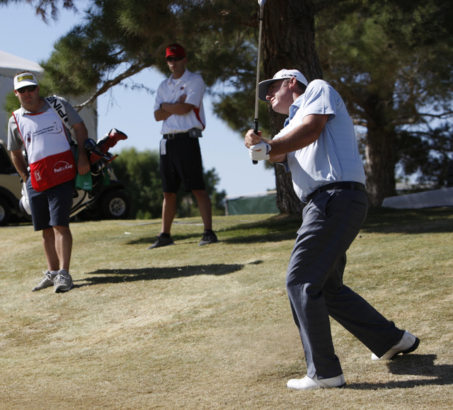 Bill Lunde hits the ball on the 9th green in the second round of the Shriners Hospitals for Children Open golf tournament at TPC Summerlin, 1700 Village Center Circle, in Las Vegas Friday, Oct. 17 ...