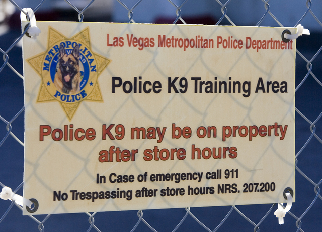 A sign posted by the Las Vegas Metropolitan Police Department warns that police K9 training may be occurring beyond the fence in the shutdown Klondike hotel-casino Thursday morning, Oct. 4, 2007,  ...