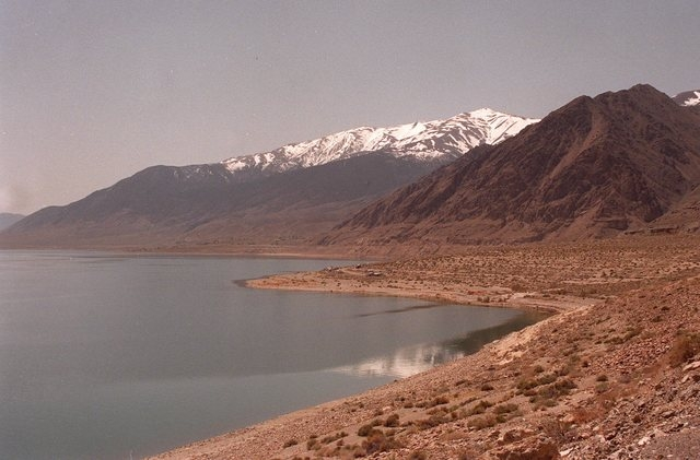 Walker Lake in the Nevada desert near Hawthorne, Nev., is shown April 29, 1998. Mineral County's bid to take irrigation water from farmers to help threatened fish in the shrinking desert lake coul ...