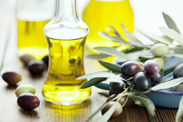 Regular consumption of olive oil has been shown to help decrease both the systolic and diastolic blood pressure. (Thinkstock)