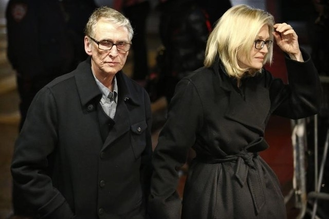 Director Mike Nichols and his wife, news anchor Diane Sawyer, arrive for the wake of deceased actor Phillip Seymour Hoffman, in the Manhattan borough of New York Feb. 6, 2014. Nichols died Wednesd ...