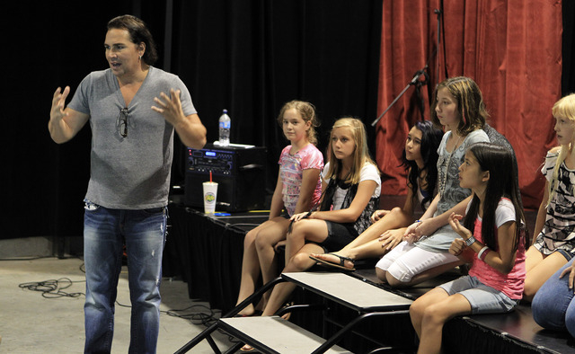 JOHN GURZINSKI/LAS VEGAS REVIEW-JOURNAL Former Fame star Billy Hufsey talks with students about improvisation Friday July 22, 2011 at the Billy Hufsey School of Professional Performing Arts in Hen ...