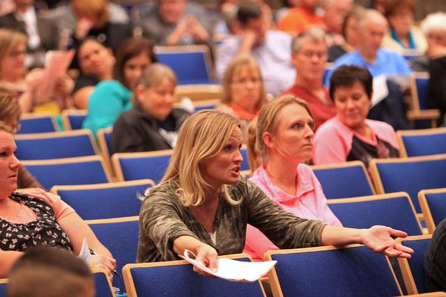 Kellie Houston asks a question during a parental input meeting to discuss changes to the Clark County School District's sex education curriculum, Thursday, Nov. 6, 2014. (Sam Morris/Las Vegas Revi ...