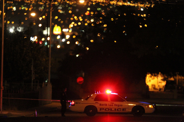 North Las Vegas police investigate a shooting near West Lake Mead Boulevard and Revere Street. (K.M. CANNON/LAS VEGAS REVIEW-JOURNAL)