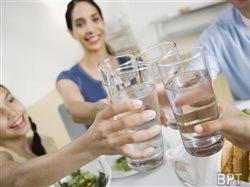 The easiest thing you can do for your health and looks: drink more water