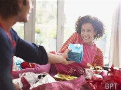 Top 5 gift-giving trends this holiday season