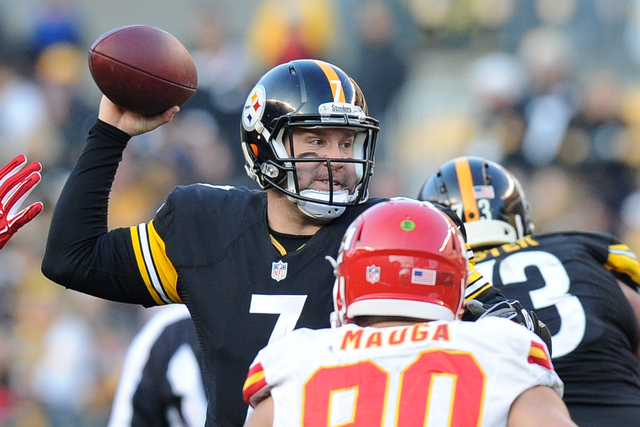 Pittsburgh Steelers quarterback Ben Roethlisberger (7) throws a pass during the second half of an NFL football game against the Kansas City Chiefs in Pittsburgh, Sunday, Dec. 21, 2014. (AP Photo/D ...