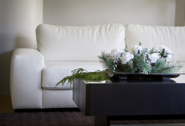 Thinkstock A modern white centerpiece adds a festive look to this contemporary living room.