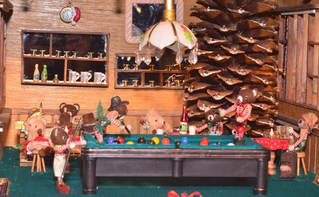 Artists Roberta and William Santa Cruz plan to display 3-D holiday dioramas in an exhibit from 10 a.m. to 6 p.m. Dec. 11 at the Green Valley Library, 2797 N. Green Valley Parkway.  Roberta, known  ...