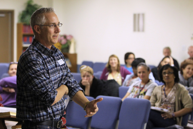 Dean Perry speaks during a recovery program meeting Dec. 4 at the Las Vegas Rescue Mission. (Sam Morris/View)