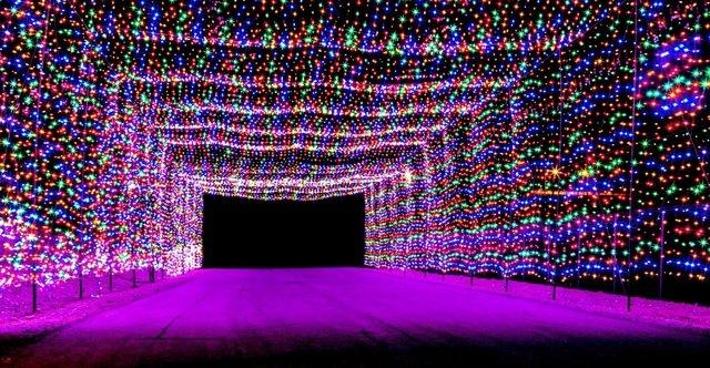 Las Vegas Motor Speedway on list of best Christmas lights displays ...