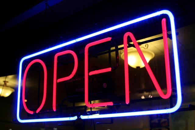Guide to restaurants and stores open on Christmas Day 2014 | Las Vegas Review-Journal