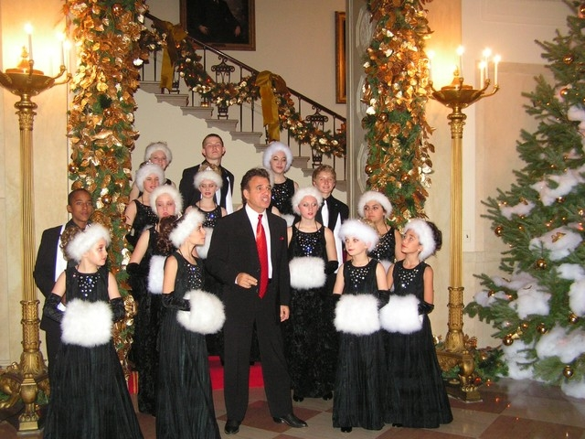 Tony Sacca's annual Christmas specials have raised money to send Las Vegas youngsters to sing in Washington, D.C. (Courtesy)
