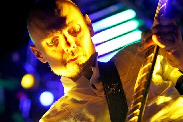 """Guitarist Billy Corgan, with the alternative rock band """"The Smashing Pumpkins"""" plays a concert at The Pearl theatre inside the Palms hotel-casino Thursday, Sept. 13, 2007, in Las Vegas. (Louie Tra ..."""