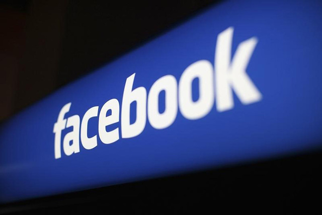 The Facebook logo is pictured at the Facebook headquarters in Menlo Park, California January 29, 2013.  (REUTERS/Robert Galbraith)
