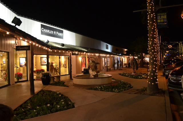 Art galleries are open late during Thursday night ArtWalk in Scottsdale, Ariz. (Ginger Meurer/Las Vegas Review-Journal)