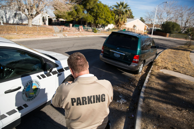 How to say parking enforcement in spanish