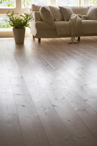 Is Hardwood Flooring Right For Your, Laminate Flooring Las Vegas
