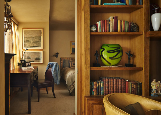 Condo Made Rich With Secondhand Furnishings Las Vegas Review Journal